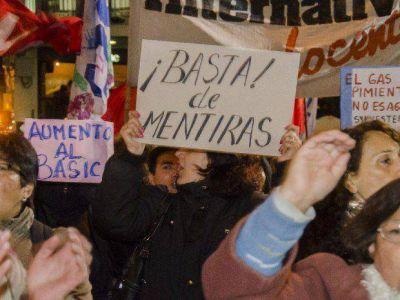 Aumenta la tensión entre el Gobierno y los docentes