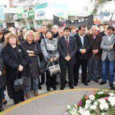 El PJ rindió un homenaje al General Perón al cumplirse 40 años de su muerte