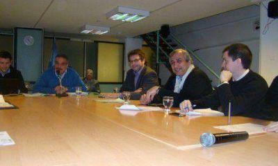 Docentes del Monserrat y el Belgrano se movilizan pese a la firma del acuerdo salarial
