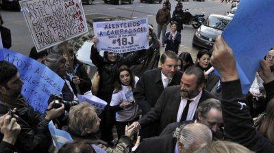 Campagnoli pidió al tribunal que revierta la suspensión y lo repongan en el cargo