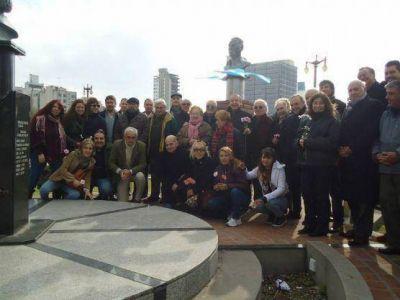 El massismo platense conmemoró un nuevo aniversario de la muerte de Perón en plaza Moreno