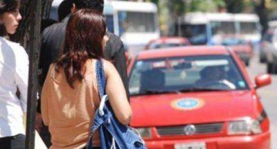 Aumento de tarifa y diferencial nocturno para taxis y remises