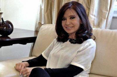 Cristina seguirá en reposo 24 horas más por su cuadro de faringolaringitis