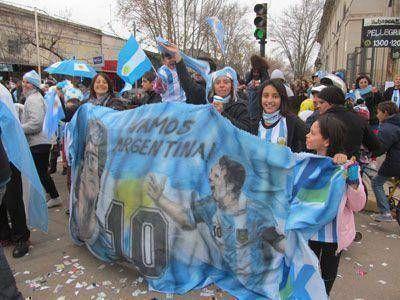 Después del triunfo ante Bélgica, las calles vestidas de argentinidad…