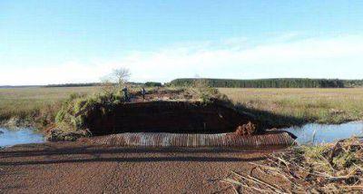 Puente Virocay fue derribado por la fuerza del agua del r�o Uruguay