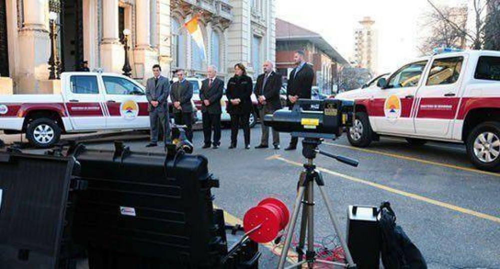 Scanners portátiles y vehículos para Delitos Complejos