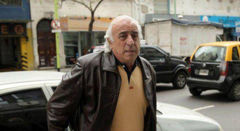 El colectivero Fernández empieza a bajarse del próximo paro de Moyano y Barrionuevo