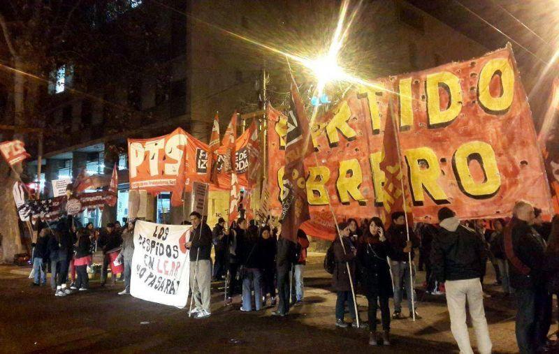 Protestas y desalojos violentos en seis ciudades del país