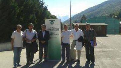 El Gobierno gestiona en el exterior la posibilidad de fabricar aceite de nuez en Catamarca