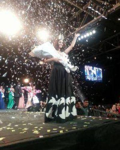 Antonella Túa fue elegida Reina de la Fiesta del Poncho 2014