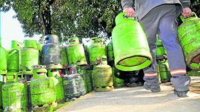 Luis Verdún preocupado por la distribución de gas envasado