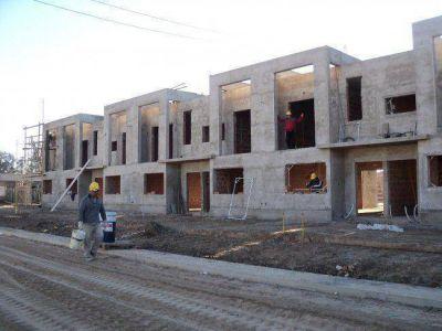 Gerente de Banco Hipotecario y Coordinadora de Empleo del NOA visitaron la construccion de unidades PROCREAR en Banda