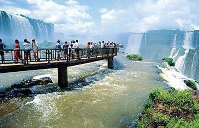 Buscan potenciar el atractivo de Cataratas de Iguazú con nuevas pasarelas para 2015