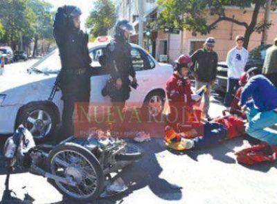 Un joven con graves fracturas en un tremendo accidente de tr�nsito