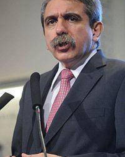 Aníbal F. justifica renuncias en Las Leonas por