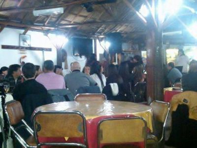 En Berisso, consejeros escolares platenses festejaron el cumpleaños de Darhampé