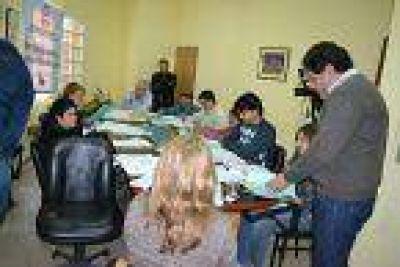 Trabajan para la Encuesta Anual de Hogares Urbanos en la provincia que comienza este mes