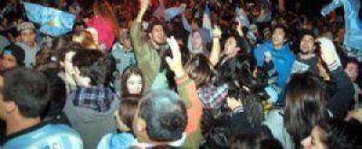 Como en todo el país, Necochea se asoció a los festejos del subcampeonato