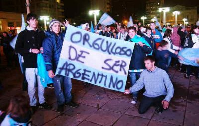 A PESAR DE LA DERROTA,  AZUL IGUALMENTE FESTEJÓ