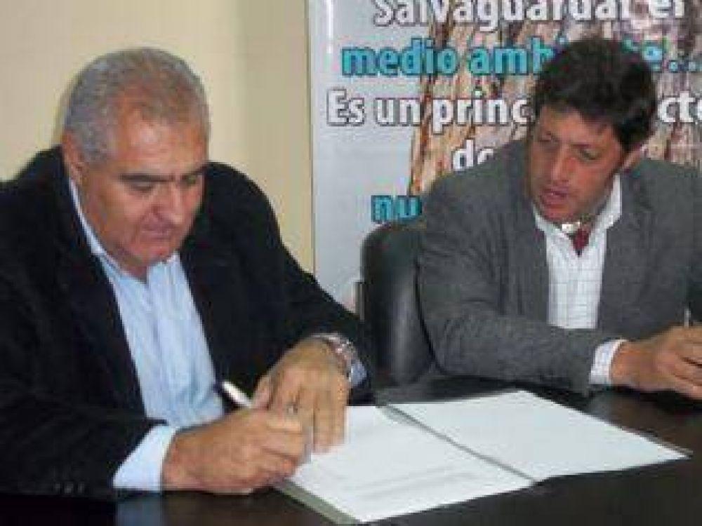 """Vivienda firmó convenio para forestar la """"Ribera del Valle"""""""