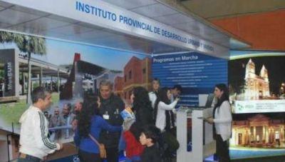 Bienal: en stand del IPDUV se informa sobre el programa Viviendas Saludables