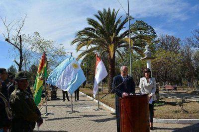 Jujeños asistieron en Tarija a la inauguración de un busto de Manuel Belgrano