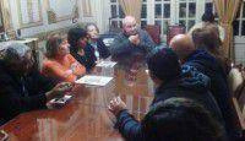 El Frente Estatal se reuni� con el Obispo y la Pastoral Social