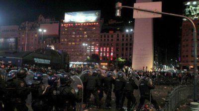 Incidentes en el Obelisco: todavía continúan detenidas 70 personas