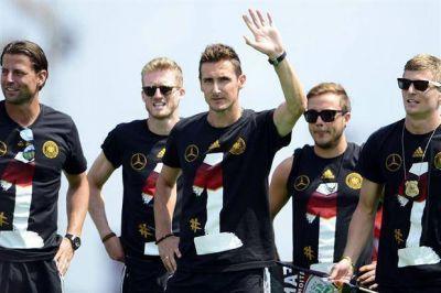 Polémica broma de los jugadores alemanes a los argentinos en las celebraciones en Berlín
