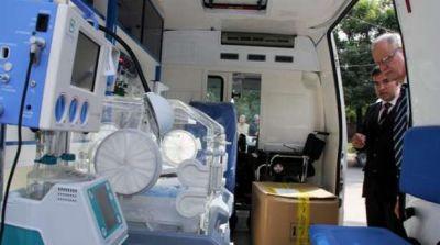 El gobierno nacional entreg� al Chaco dos modernas ambulancias