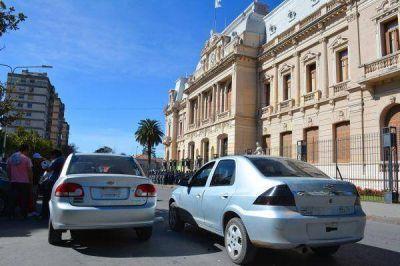 Remiseros del interior reclamaron legalización de la actividad