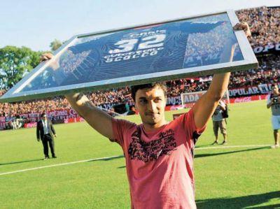 Newell's: Morosano regresó al país con el contrato acordado con Sunderland