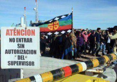 Mapuches alambran un sector de Loma Campana