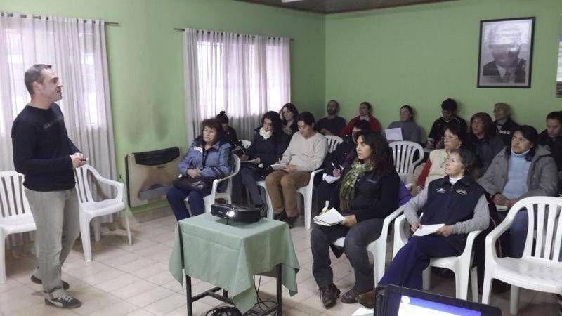 La UTHGRA Bariloche realizó con éxito un curso sobre manipulación de alimentos