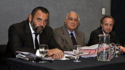 La defensa de Campagnoli insiste en que el jury termin� y el fiscal debe volver a su cargo