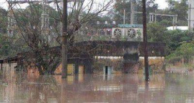 Unas 40 familias tienen problemas habitacionales tras la crecida del río