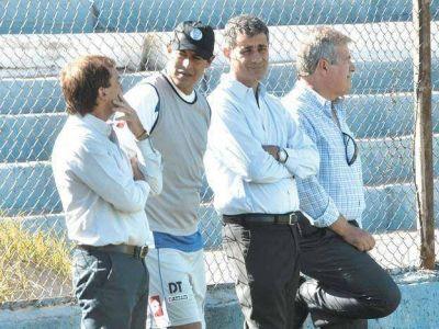 Incertidumbre sobre la continuidad de Jorge Almirón como DT de Godoy Cruz