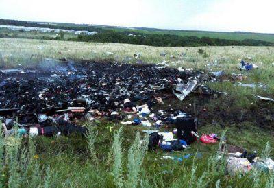 Impactantes imágenes del avión de Malaysia Airlines: Ucrania insiste con la teoría del atentado