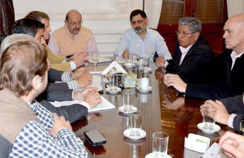 Remises – Gobierno y Municipio abordaron la problemática interjurisdiccional