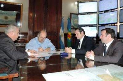 Granados y Etchevarren firmaron el convenio para la implementación de la Policía de Prevención
