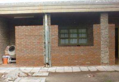 Construyen sala de reuniones en el área de Pediatría del Hospital