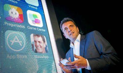 Massa presentó su aplicación para celulares pero se olvidó de borrar a Yans en Diputados