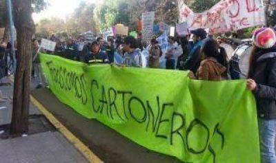 Bahía Blanca: Cartoneros protestaron contra erradicación de la tracción a sangre