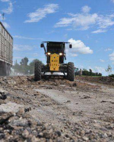 Realizan tareas de mantenimiento en caminos y rutas de Feliciano