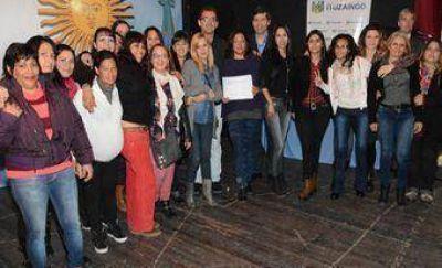 Entregaron diplomas a los egresados del Plan FINES 2014
