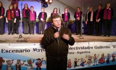 """El intendente inauguró la Feria de los Colectividades: """"Tiene un extraordinario valor cultural"""""""