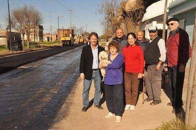 Comenzó la obra de pavimentación en la zona de calle Monteagudo