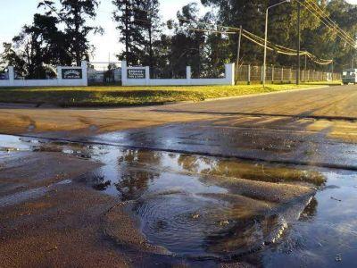 Nueva denuncia de la municipalidad contra ABSA por derrame de residuos cloacales a los desagües pluviales