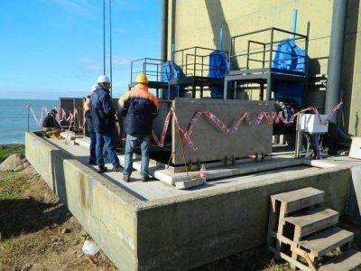 Emisario Submarino: agentes de OSSE se capacitaron en operatoria de bombas para la etapa final de la obra
