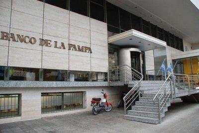 """Denuncian supuestos descuentos """"fantasmas"""" en los cajeros del Banco de La Pampa"""